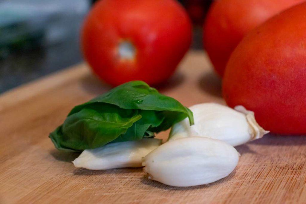 tomato salad ingredients
